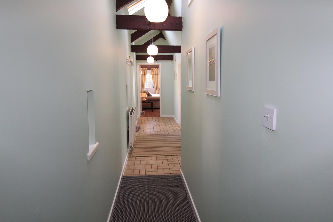 5-Pele---Hallway-1-copy