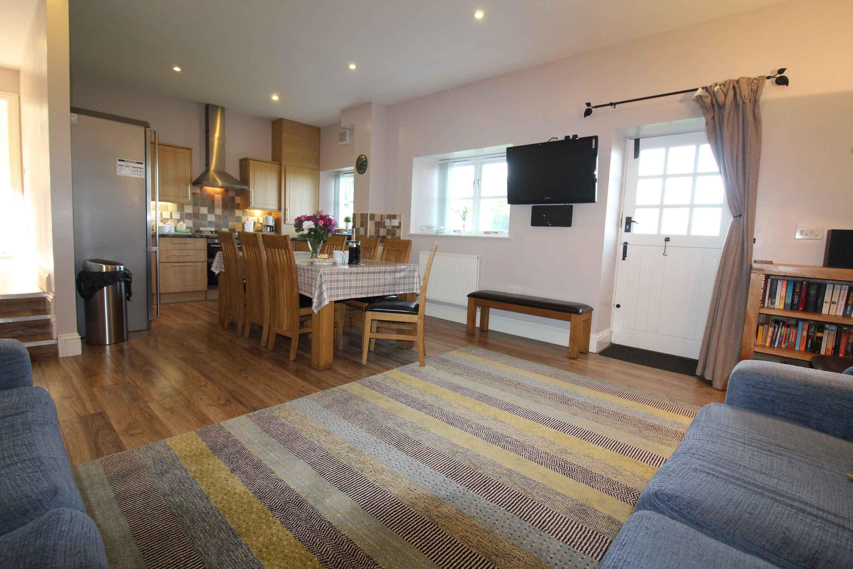3-Briarhill---Open-Plan-Living-Area-2